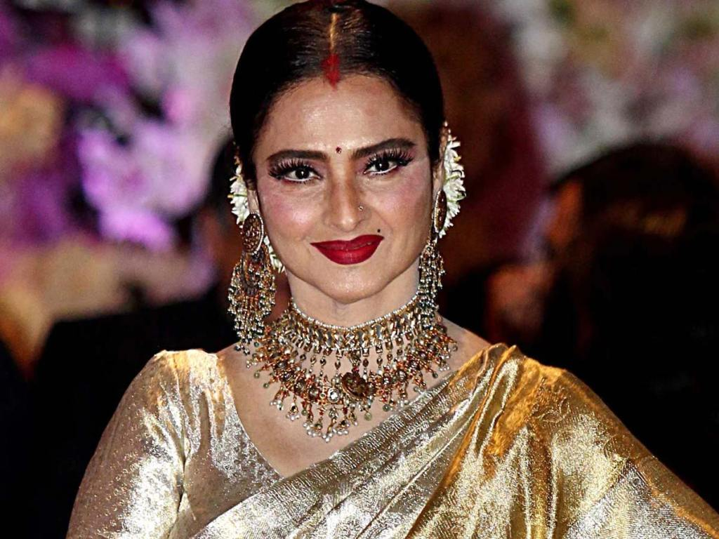Bollywood Actress Rekha's Bungalow Has Been Sealed As Her Security Guard Tests COVID-19 Positive