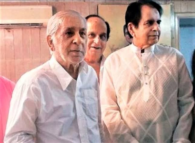 Dilip Kumar's Younger Brother Passed Away Due To Coronavirus At Lilavati Hospital