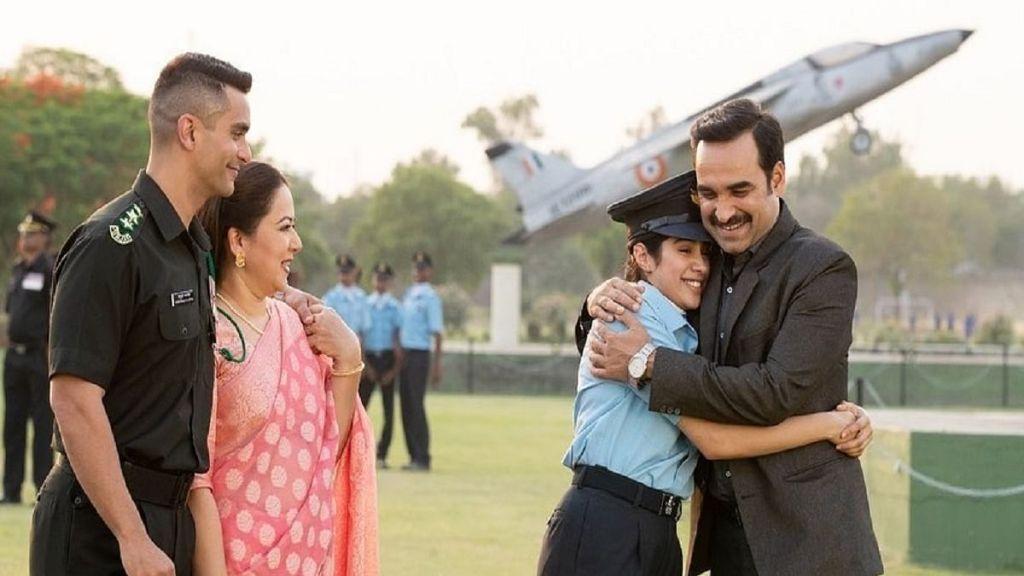 Gunjan Saxena Movie Review: Janhvi Kapoor Takes The Cake Baked By Pankaj Tripathi