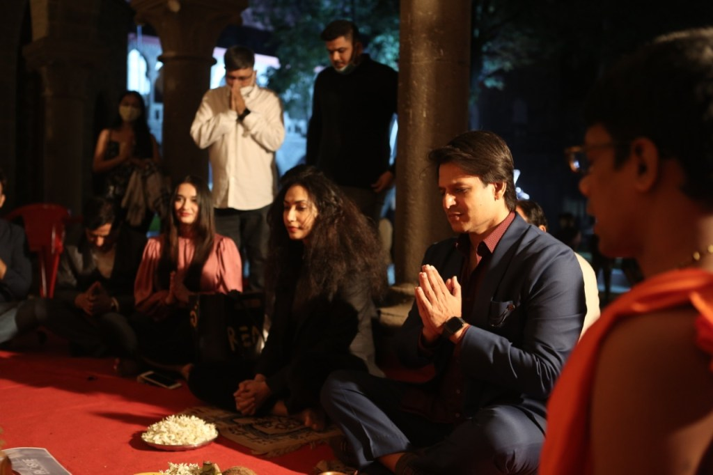 Vivek Oberoi And Team Begins The Shoot Of Vishal Ranjan Mishra Directorial 'Rosie-The Saffron Chapter'