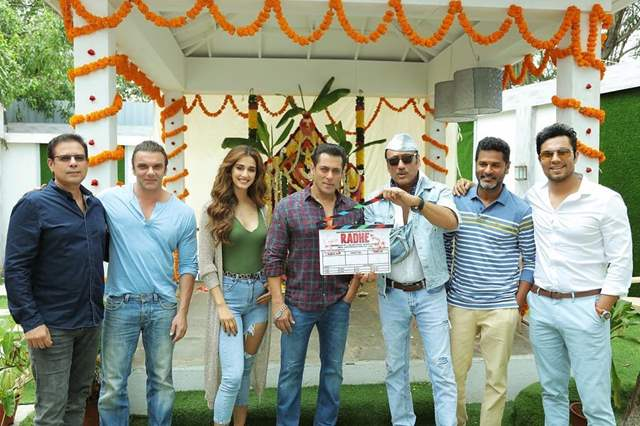 Team Radhe Heads To Big Boss To Makes A Special Announcement, We Can't Contain The Excitement