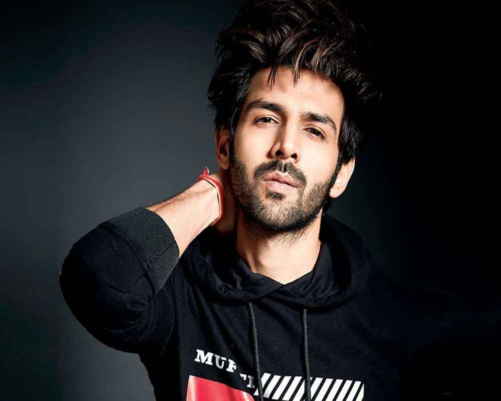 Kartik Aaryan Is Running Ahead Of Akshay Kumar, Becomes Picky Over His Projects? Read For Details!