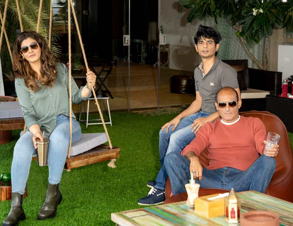 Akshaye Khanna And Raveena Tandon To Share Screen For The First Time As Rivals In Vijay Gutte's Legacy
