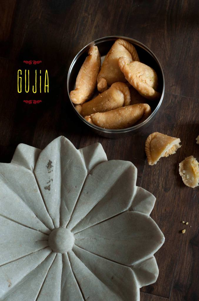 Gujia/Sweet Fried Stuffed Pastry