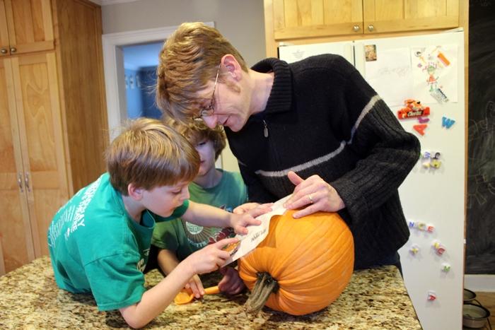 pumpkin carving 2