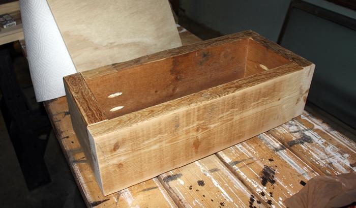 wooden-box-centerpiece1