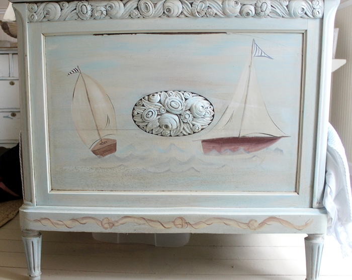detail on kids' sailboat bed
