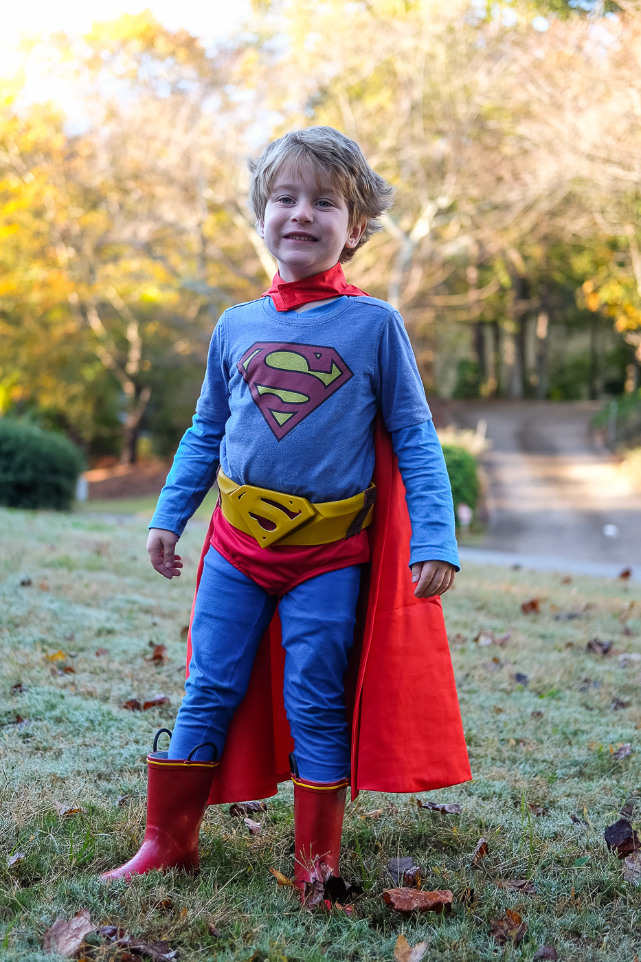 As I mentioned on Instagram last minute Halloween costume posts are the only Halloween costume posts I do. I believe last year I didnu0027t post any costume ...  sc 1 st  Boxy Colonial & DIY Pieced Together Kidsu0027 Superman Costume for Halloween -
