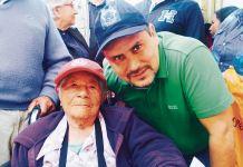 Jorge Arturo Mayorga Esguerra, alcalde de Sogamoso, con adultos mayores del sector rural de la ciudad