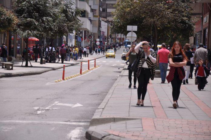 Los comerciantes y residentes del centro de la ciudad se preparan para la temporada de fin de año y tener medidas de seguridad y protección