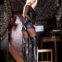 Sexy Babes Wearing Sexy Boots (Hotties In Boots)