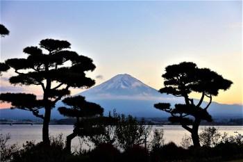 河口湖秀峰閣溫泉旅館|觀賞完整逆富士絕佳角度、近紅葉迴廊