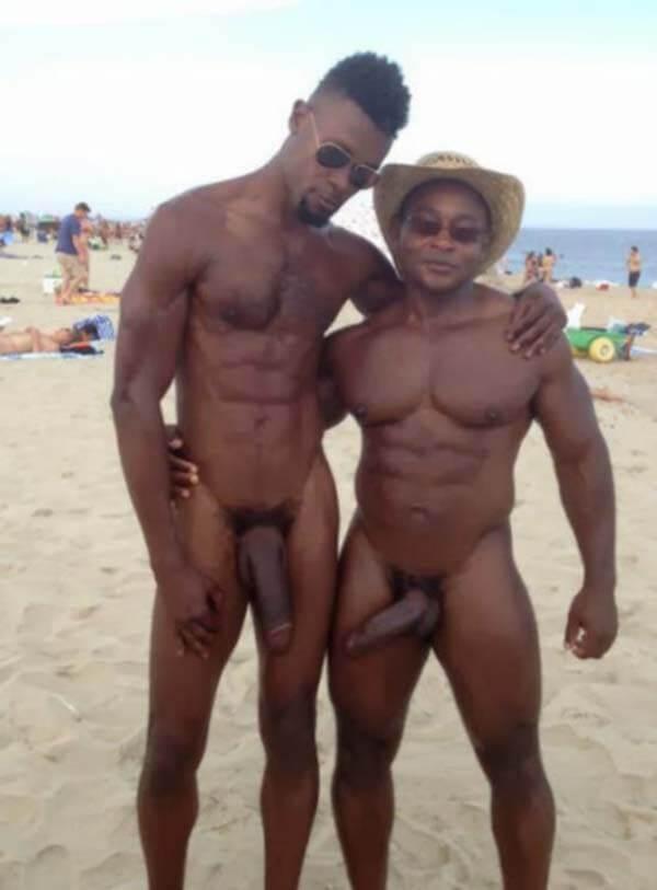 boysnaweb casal negro praia big paus amador