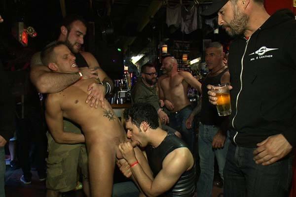 homens transando com homens na baote