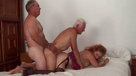sexo bissexual entre velhos tarados