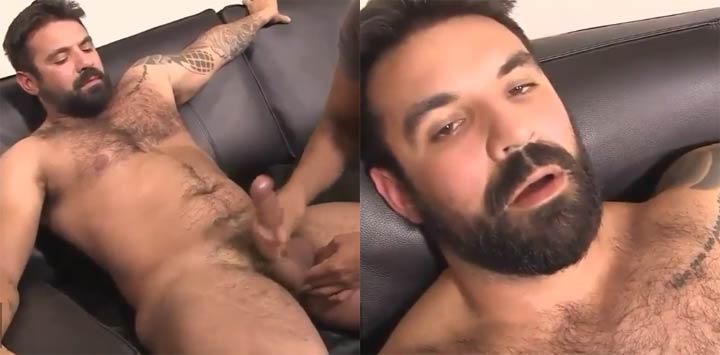homem peludo sexo com homem