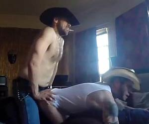 Vaqueiro safado fodendo macho do interior