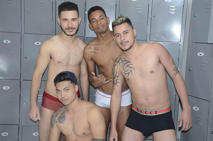 Pornô Banheirão: historias banheirao black friday gay