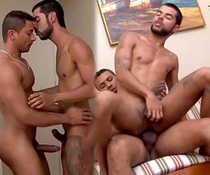 Marcelo Mastro recebe boquete antes do barebacking