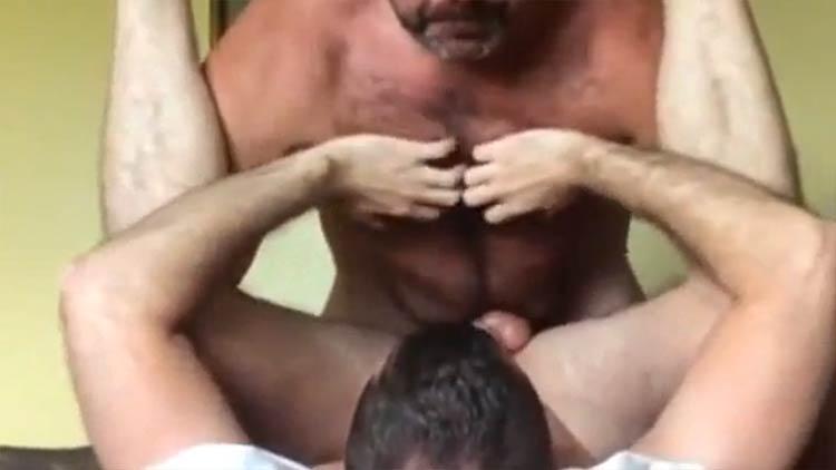 gay amador papai tesudo fode frango assado boytoy
