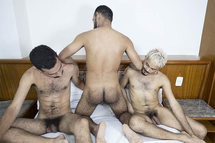 machos com pelos transando mundomais