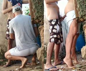 Entregador de água fudeu gay no quintal