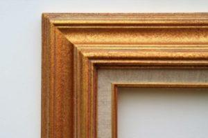 Cadre à coins bouchés – Format toiles – Or