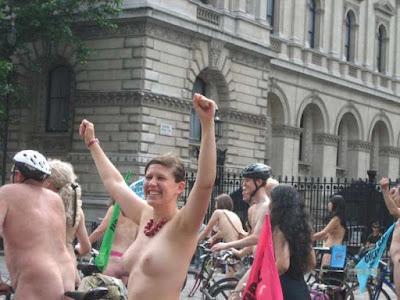 Disfrutando de la libertad y la solidaridad del acontecimiento