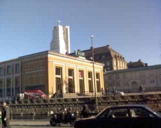Christiansborg med bullen finger...