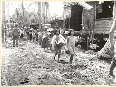 Philippines People Filipino Pinoy Pilipinas Old Black White Pictures evacuation leyte world war II WWII