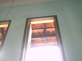 C�a số phòng học A110 - Lê Hồng Phong