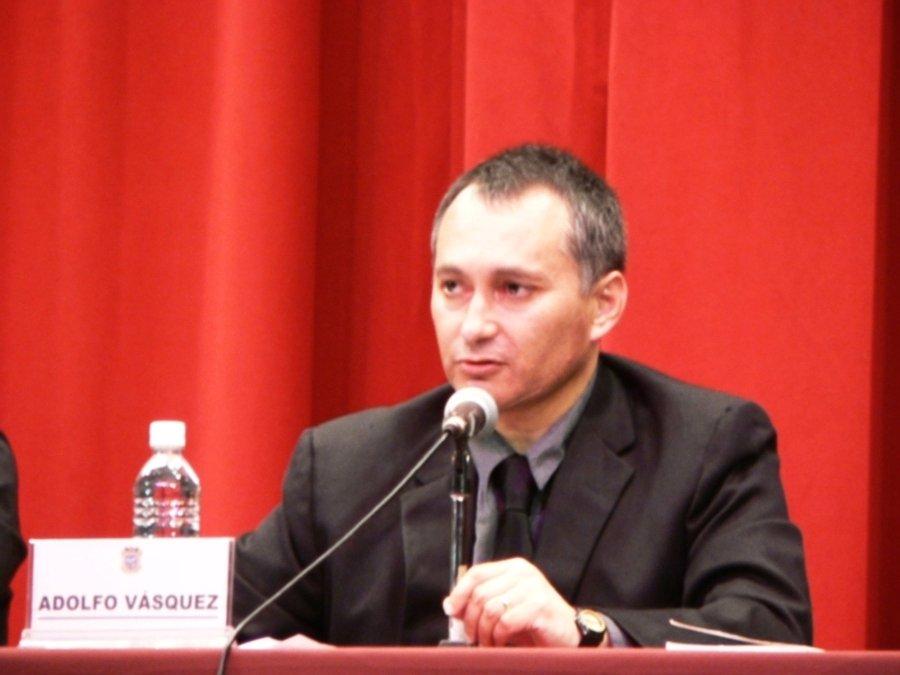 [1+Adolfo+Vasquez+Rocca+Conferencia++Nietzsche+2007+Mex+.JPG]