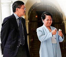 Sec. Neri with Pres. Arroyo