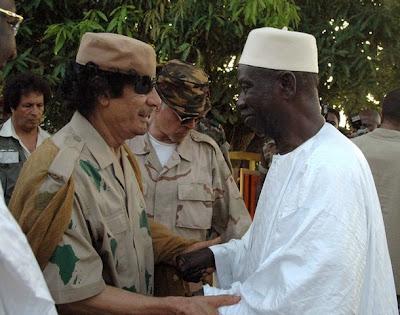 Gadhafi avec Joli
