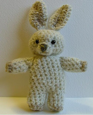 Jilly-Flowers bunny crochet pattern