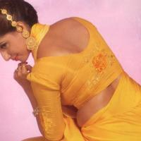 Hot Actress Neval And Cleanage Show
