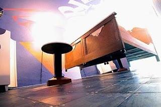 Habitación de la cama voladora