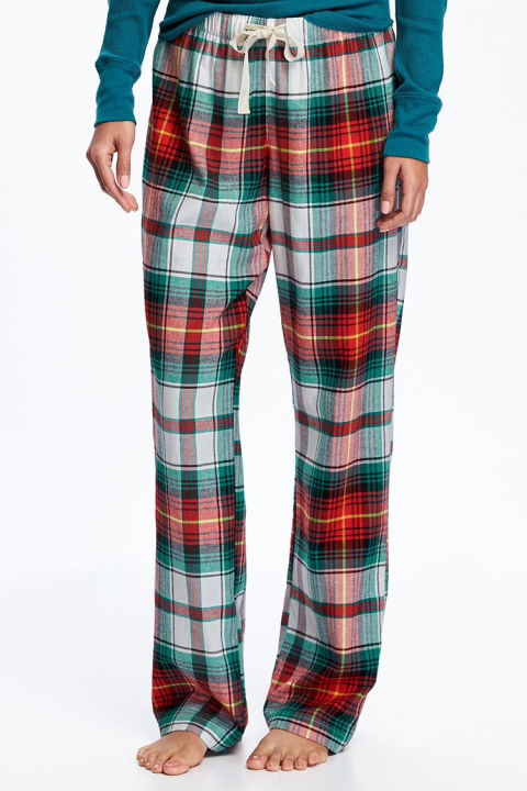 $17 BUY NOW Sometimes you just want to stick with the classics. These pajama pants from Old Navy are a steal at less than $20, and the tartan pattern has Christmas written all over it. Just slip on a sweatshirt and you'll be cozy as can be.