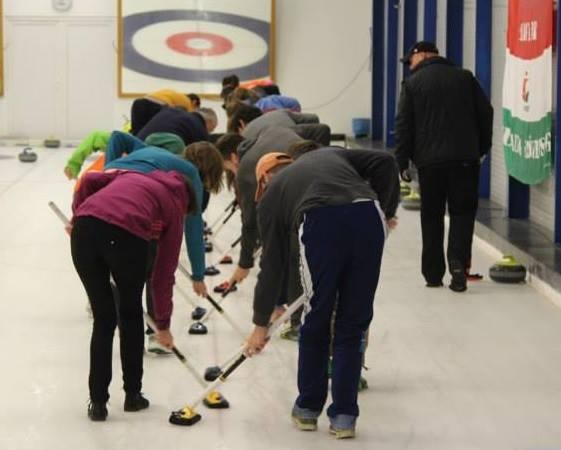 Kamaraerdei Curling Club Budapest csapatépítő tréning