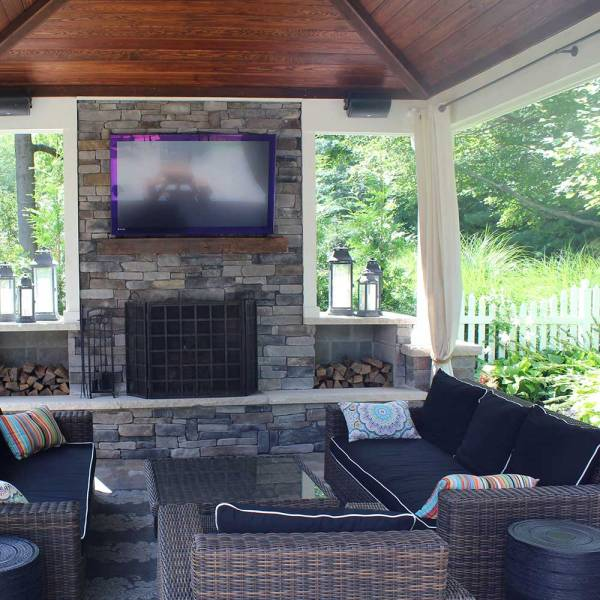 covered outdoor patio living space Covered Outdoor Living Spaces | Custom Outdoor Living