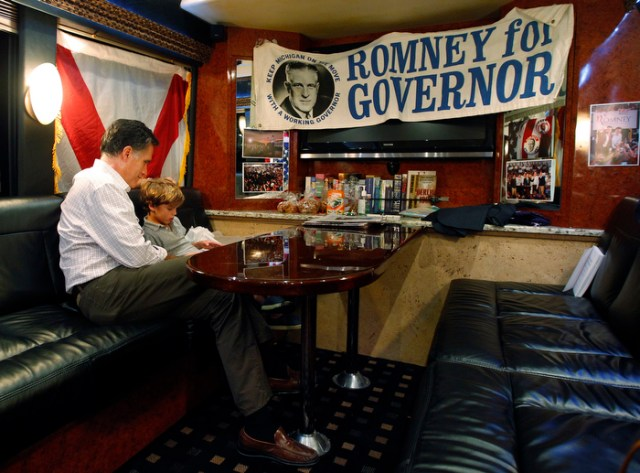 Mitt Rommney Campaigns for the Presidency