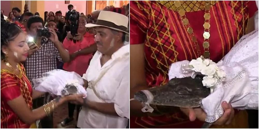 大漁祈願でメキシコの町長がワニと結婚