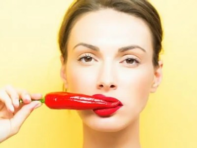 激辛料理を食べてる女性は魅力的に見える説