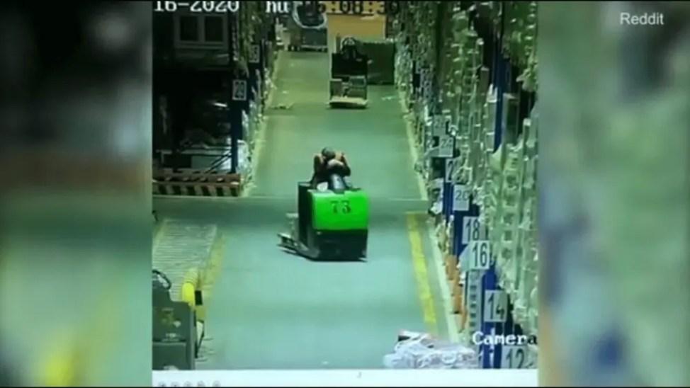 居眠り運転で大事故の瞬間動画