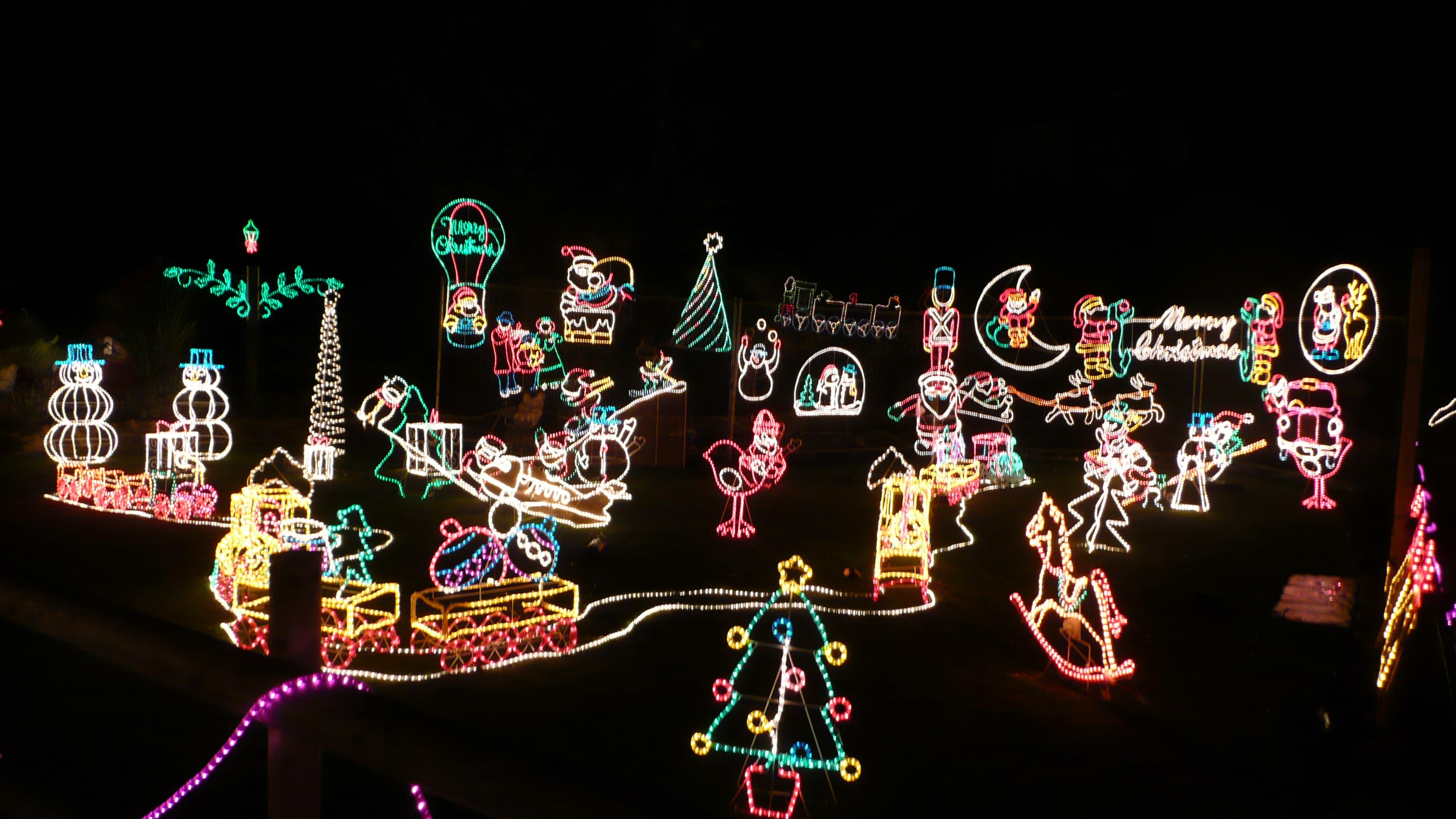 Godshill_Old_World_Tea_Rooms_Christmas_Lights_2