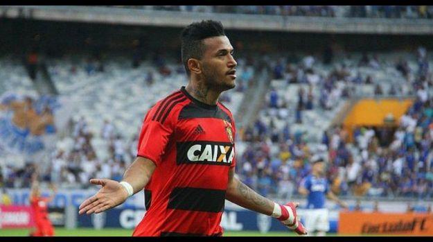 Sport anuncia a contratação do atacante Rogério