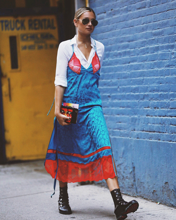 Danielle Bernstein - camisa-branca-vestido-estampado - cor - verão - street-style