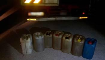 Galões com combustíveis apreendidos em Torres Novas