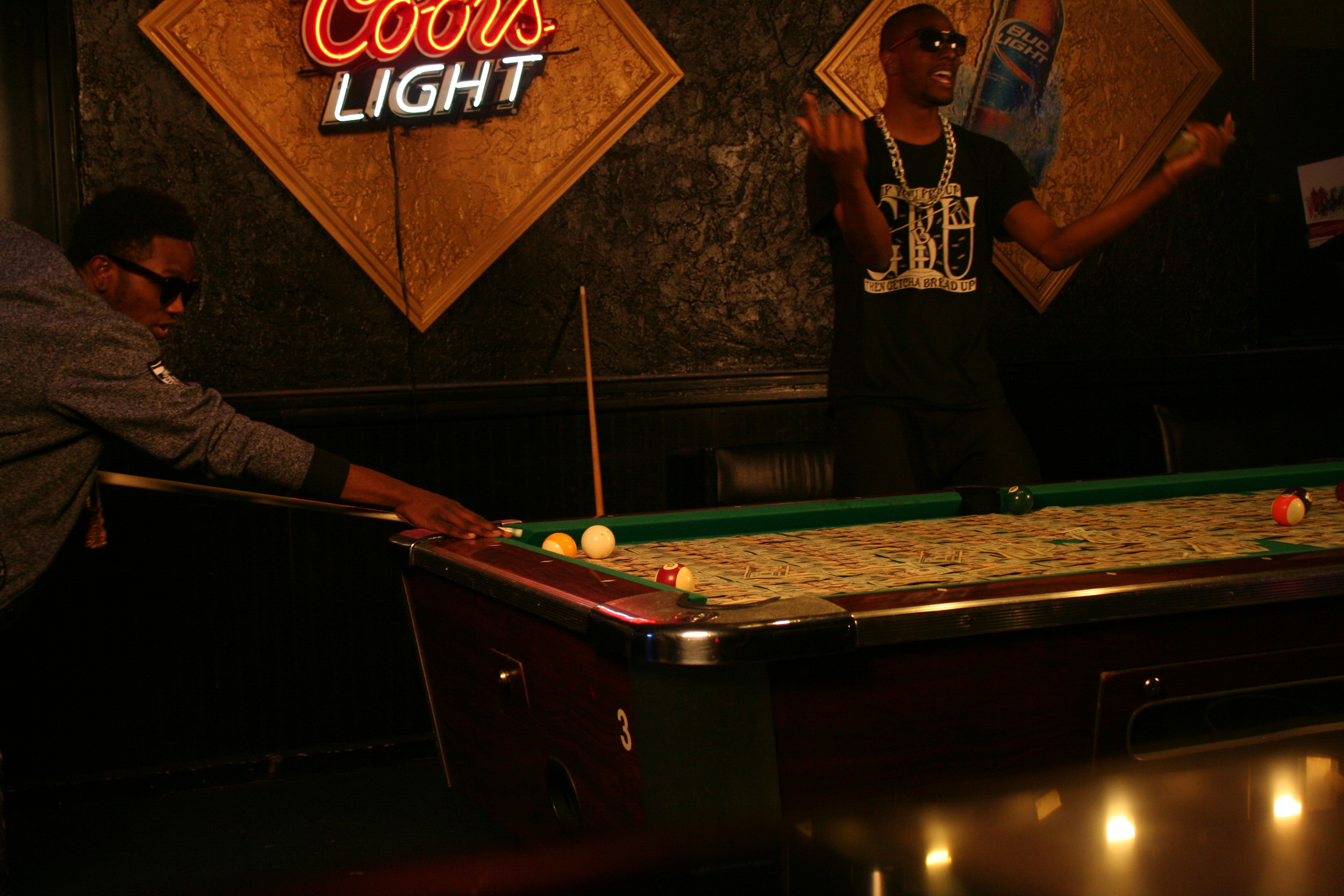 Braddy - ATTENTIONS - Pool Table (Standing Up Angle) (5)