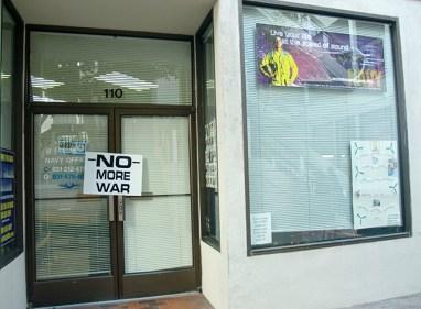 navy-closed_12-15-07